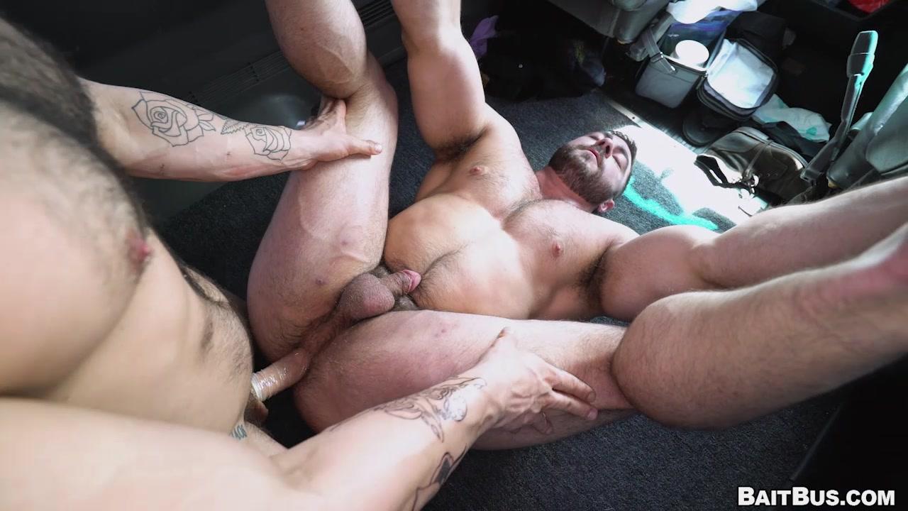 Hot Guy Gets Baited and Fucked - Aspen & Derek Bolt 2019-08-21